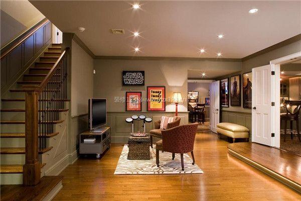 有楼梯的客厅装修设计 客厅有楼梯如何装修好看